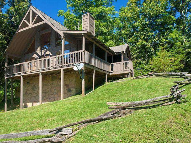Serenity – Country Pines Resort (2 BR) - property