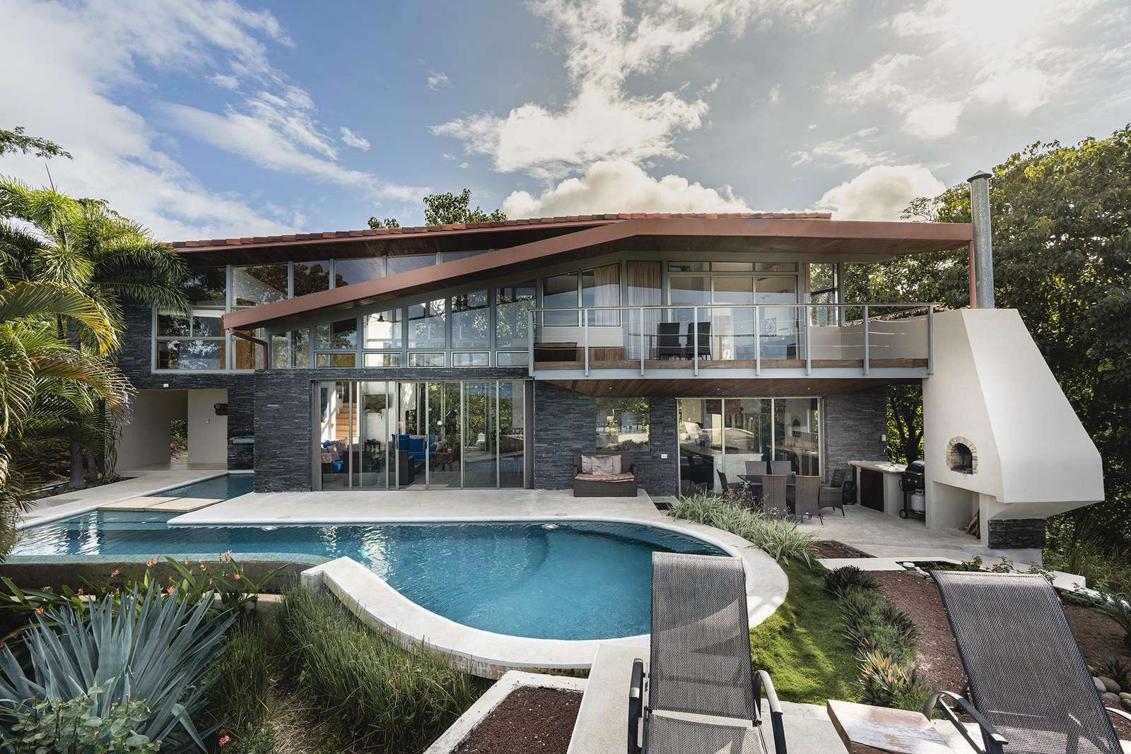 Casa Brisas del Mar, a modern 6 Bedroom home near Playa Conchal - property