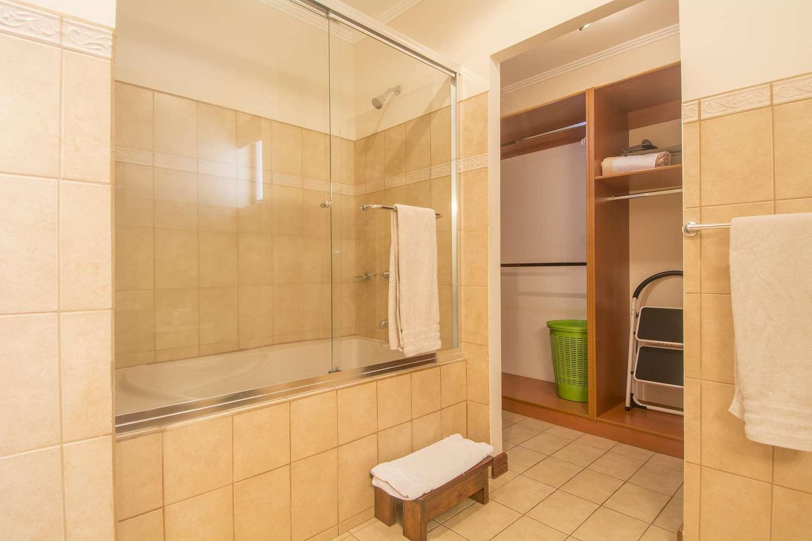 Master bathroom, garden tub